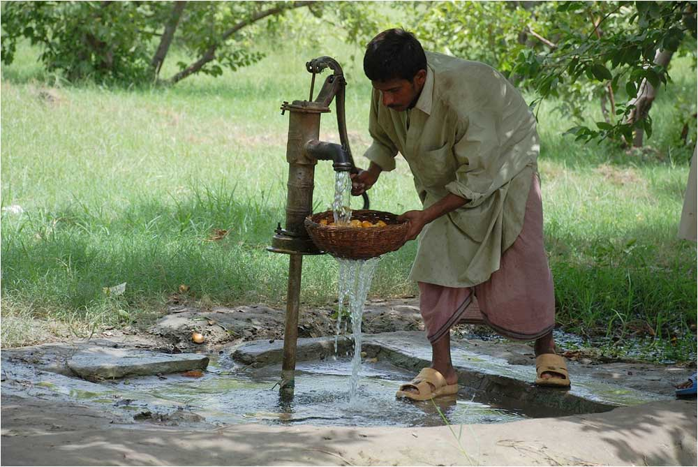 Study Overpumping Draws Down The World S Groundwater