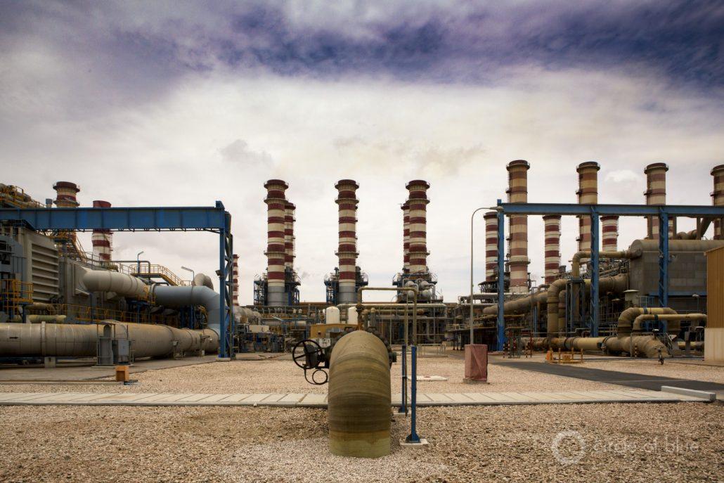 在卡塔尔不存在的资源列表的顶部,或者在供应不足,是淡水。年平均降雨量约为74毫米。这不到三英寸。这就是卡塔尔几乎所有淡水从海水淡化厂供应。 ©J. Carl Ganter / CircleOfBlue.org